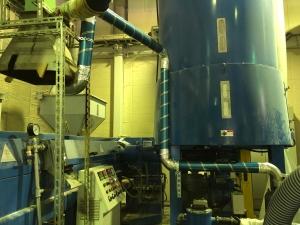 発泡スチロール圧縮溶融工程